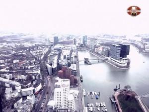 EinEspressoBitte sulla RheinTurm, vista dall'alto di Düsseldorf